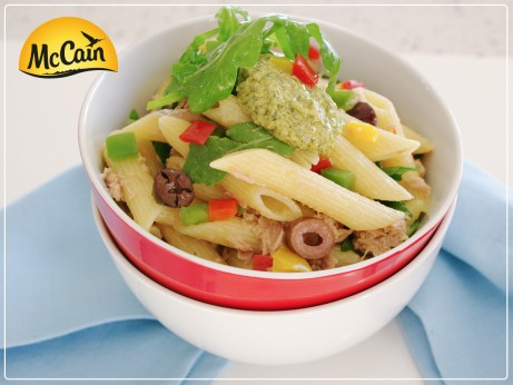 Tuna Penne with Capsicum, Rocket and Olives